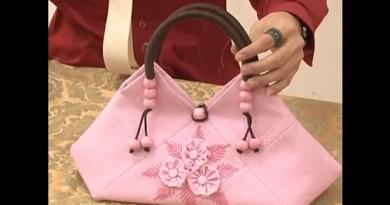 ตัดเย็บกระเป๋ารูปทรงสามเหลี่ยมจากผ้าไทย วิธีการและเทคนิคการตกแต่ง