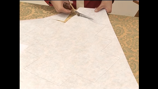 การตัดเย็บกระเป๋ารูปทรงสามเหลี่ยมจากผ้าไทย การทำแบบตัดถุงซับใน